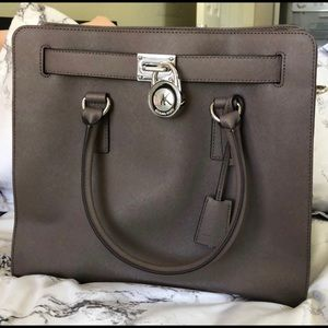 LARGE MICHAEL KORS BAG
